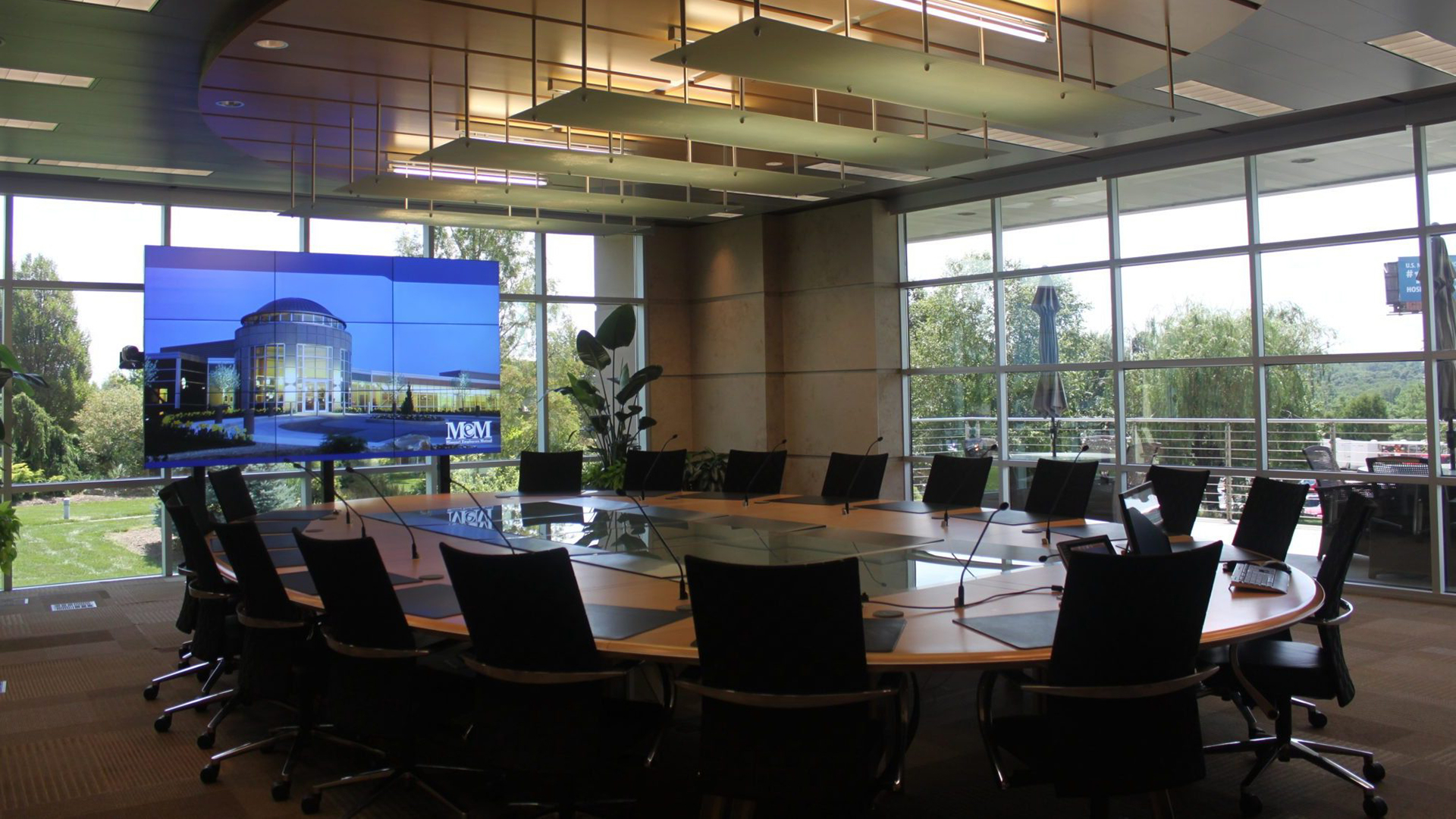 audiovisual-executive-boardroom_mem_01